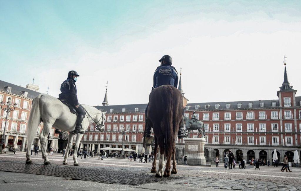 """España: Las dos Castillas cerrarán sus """"fronteras"""" y Madrid estudia el """"cierre por días"""" - octubre 29, 2020 10:00 am - NOTIGUARO - Internacionales"""