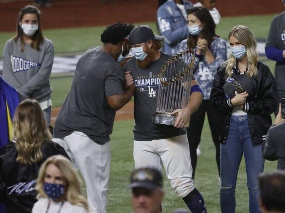 MLB abrió investigación a Turner por festejar contagiado de COVID - octubre 29, 2020 9:07 pm - NOTIGUARO - Deporte