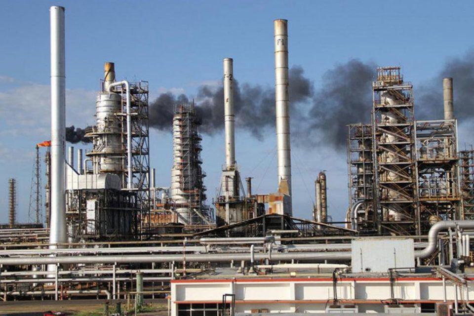 El Palito: Posible reactivación de la refinería incorporaría 20.000 barriles diarios de gasolina al mercado - septiembre 8, 2021 9:53 pm - NOTIGUARO - Economia