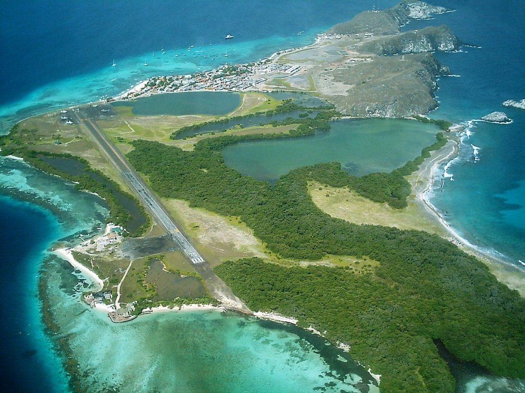 INAC: Los Roques, único destino nacional incorporado en la reactivación de vuelos - noviembre 2, 2020 7:58 pm - NOTIGUARO - Economia