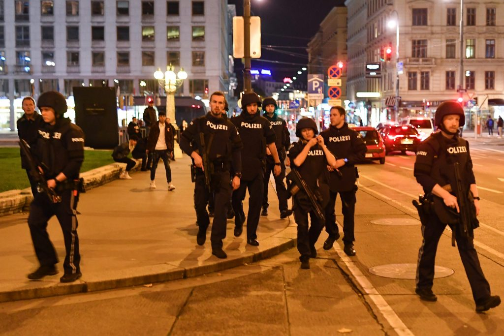 En Viena: Reportan ataque terrorista dejando varios heridos, en una sinagoga este #2Nov - noviembre 2, 2020 6:59 pm - NOTIGUARO - Internacionales