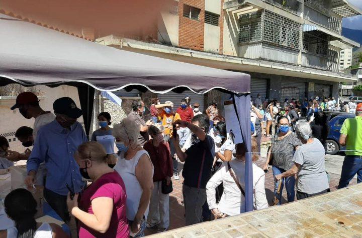Venezolanos participan en la Consulta Popular en los puntos habilitados en todo el país - diciembre 12, 2020 12:59 pm - NOTIGUARO - Consulta popular