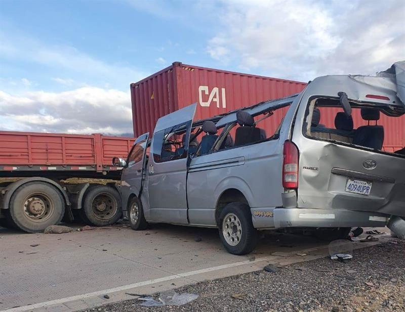 ¡Lamentable! Un grupo de venezolanos fallece en accidente de tránsito en Bolivia - enero 19, 2021 8:00 am - NOTIGUARO - Internacionales