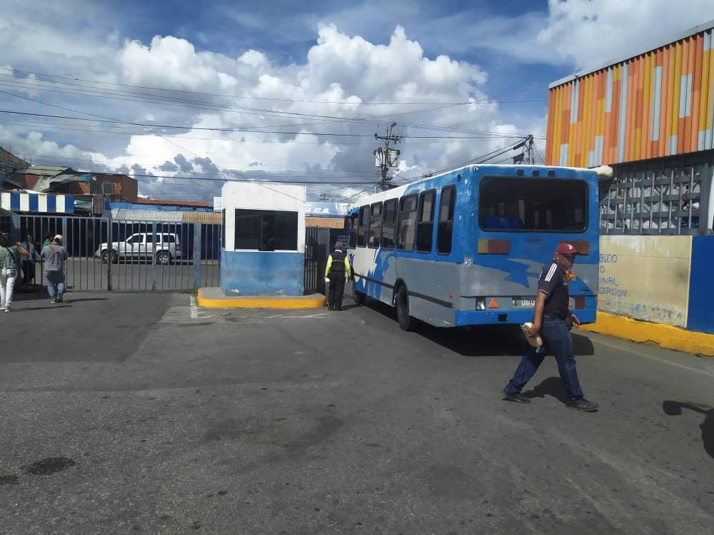 Activan rutas urbanas: Terminal de Barquisimeto operará esta semana de flexibilización - enero 11, 2021 11:51 am - NOTIGUARO - Locales