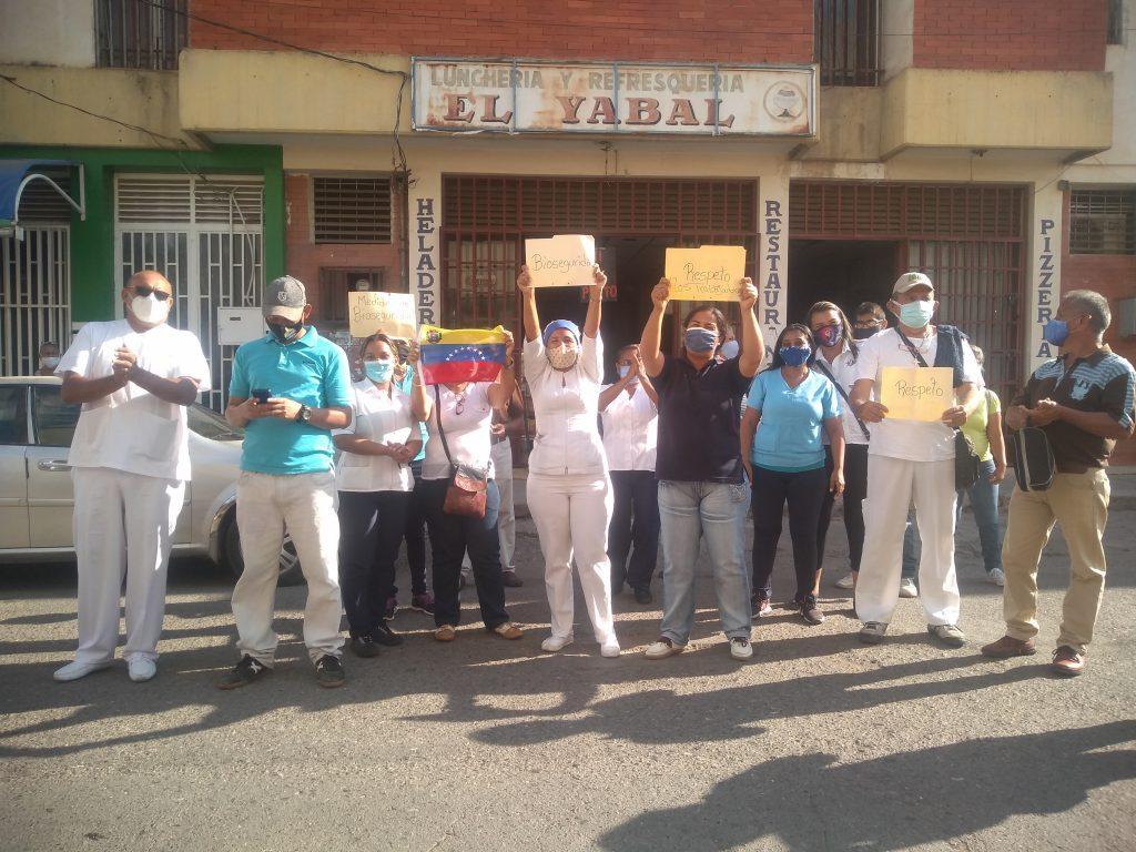 """Por segundo día: Trabajadores del Ambulatorio """"El Quirúrgico"""" de Carora salieron a protestar - febrero 13, 2021 7:58 am - NOTIGUARO - Locales"""