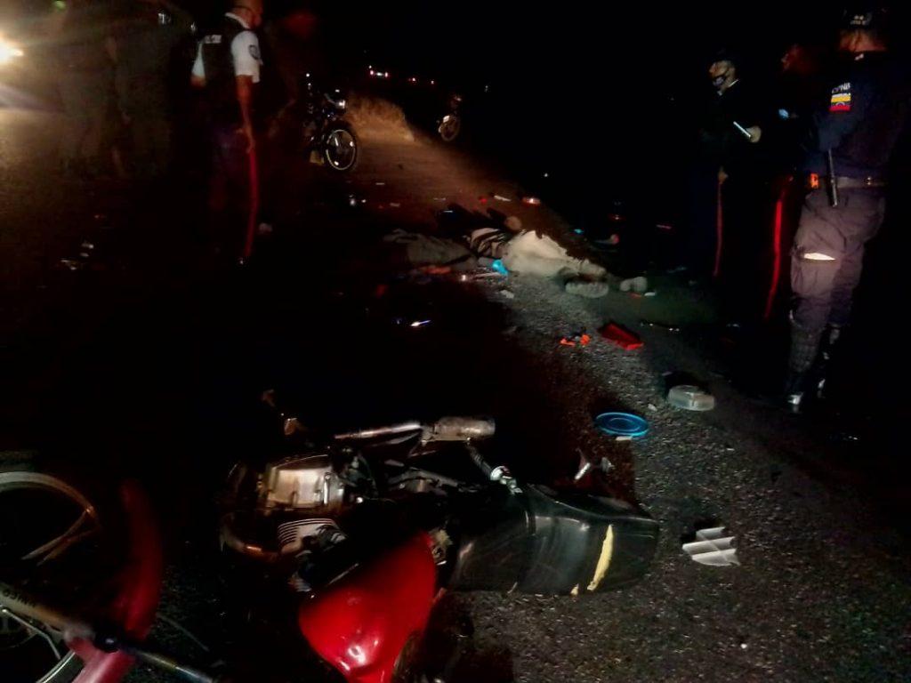Dos efectivos de la Aviación militar, mueren tras ser arrollados por camión de la FANB - febrero 19, 2021 7:00 am - NOTIGUARO - Locales