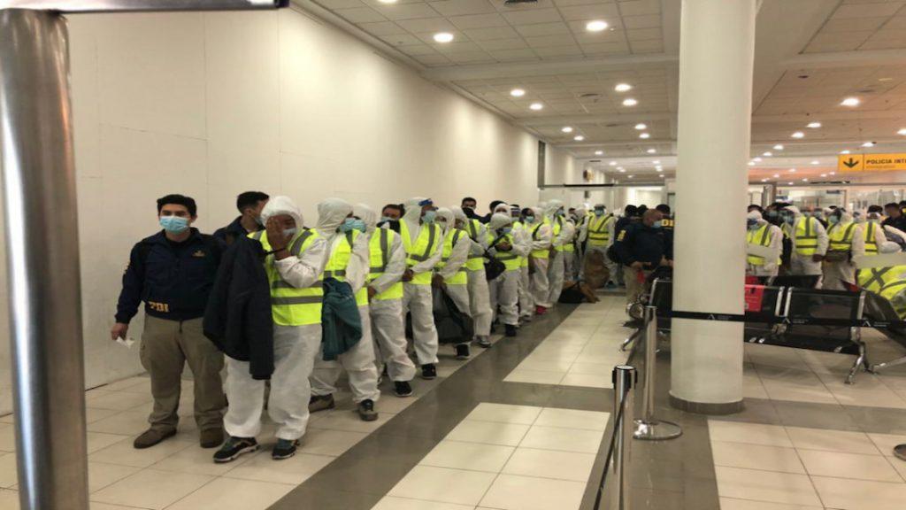 En Chile: 55 venezolanos son expulsados ante nueva reforma migratoria - abril 26, 2021 7:30 am - NOTIGUARO - Internacionales