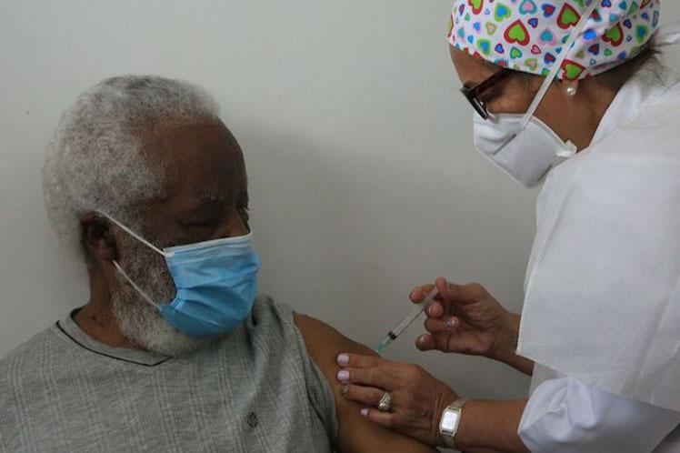 ¡Atención! Personas de la tercera edad que estén en el sistema patria, serán seleccionadas para optar por vacunas contra la Covid-19 - abril 27, 2021 11:40 pm - NOTIGUARO - Nacionales