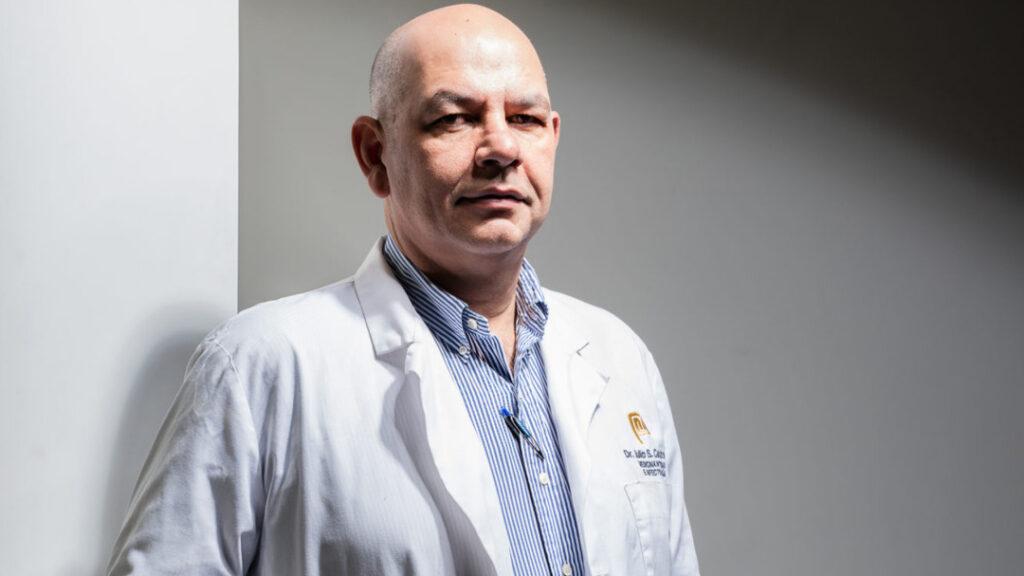"""Dr. Julio Castro explica cuando se podría tener una vida """"más flexible"""" si se controla el virus en el país - mayo 21, 2021 10:46 pm - NOTIGUARO - Nacionales"""