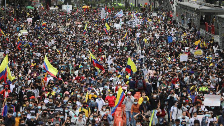 Decretan toque de queda en Valle del Cauca: Al menos 4 muertos durante protestas de este viernes en Colombia - mayo 28, 2021 8:30 pm - NOTIGUARO - Internacionales