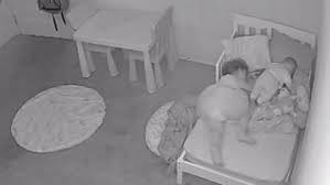 ¡Aterrador! Padre capta el espeluznante fenómeno paranormal donde su hija es arrastrada bajo la cama - mayo 11, 2021 12:05 am - NOTIGUARO - Crónicas Paranormales