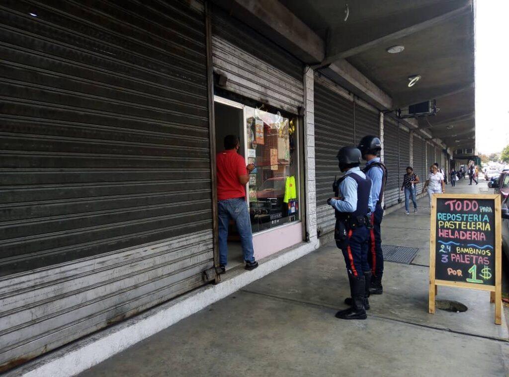 Por incumplir decretos: Serán sancionados con cierre, locales comerciales en el estado Lara - junio 10, 2021 12:10 am - NOTIGUARO - Locales