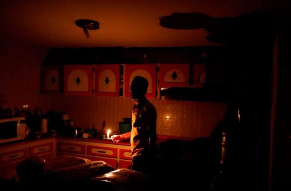 ¡Alarma! Se acentúa la crisis eléctrica en el país, reportes indican entre 2 y 8 horas diarias sin luz en varios estados - junio 18, 2021 11:40 am - NOTIGUARO - Nacionales