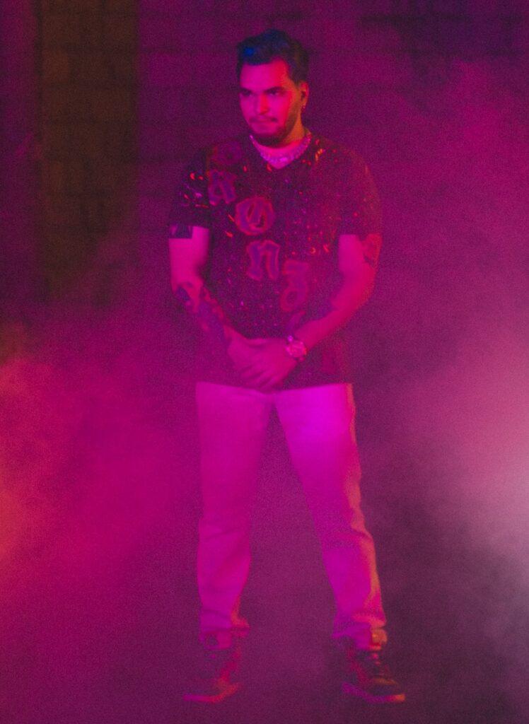 """Bronzon lanza videoclip de """"Fracaso"""" donde participan famosos de TikTok - junio 23, 2021 11:45 am - NOTIGUARO - Entretenimiento"""