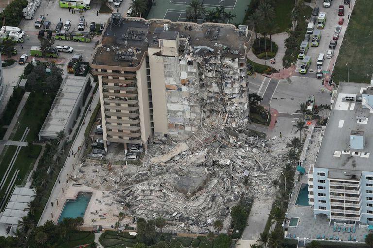 En EE.UU.: Identifican a otros tres fallecidos por el derrumbe de edificio en Miami - junio 29, 2021 4:26 pm - NOTIGUARO - Internacionales