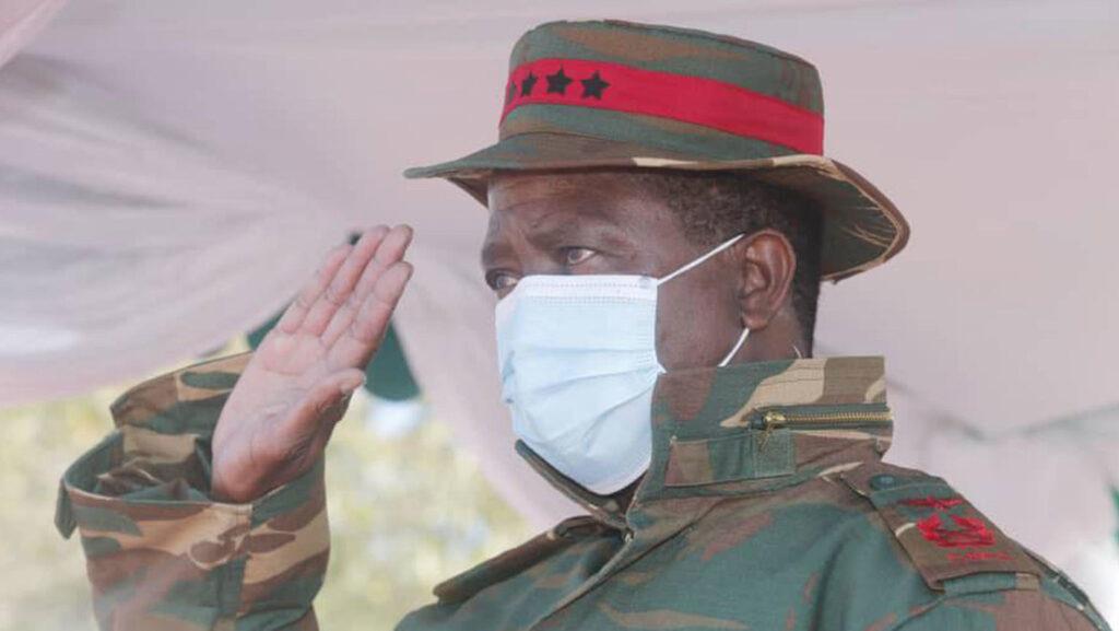 En Zambia: El presidente Edgar Lungu, se desmayó durante un evento militar (+video) - junio 14, 2021 12:28 pm - NOTIGUARO - Internacionales