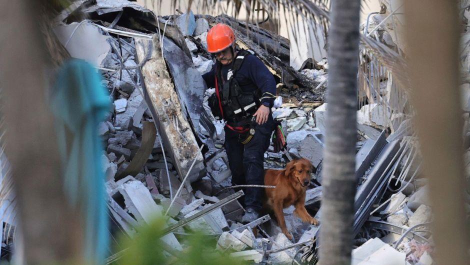 En Miami: Derrumbe de un edificio deja al menos un muerto, decenas de heridos y 99 desaparecidos (+fotos) - junio 25, 2021 7:00 am - NOTIGUARO - Internacionales