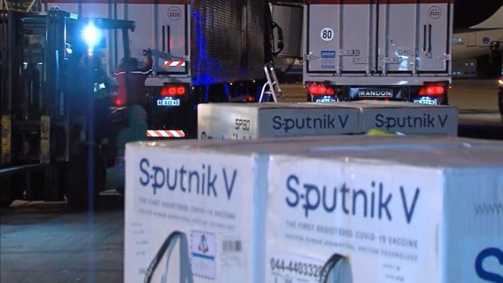 En Argentina: Aterriza nuevo cargamento de Moscú con 709.085 dosis de la Sputnik-V - junio 30, 2021 11:30 am - NOTIGUARO - Internacionales