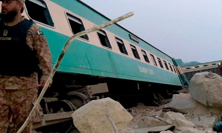 Pakistán: Al menos 35 muertos y 50 heridos en una colisión de dos trenes expréss (VIDEO) - junio 7, 2021 8:06 am - NOTIGUARO - Internacionales