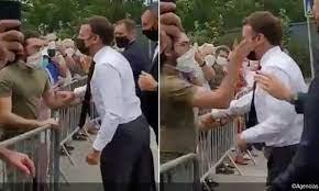 Un hombre abofetea al presidente Macron durante su visita al sureste de Francia (+video) - junio 9, 2021 10:22 am - NOTIGUARO - Internacionales