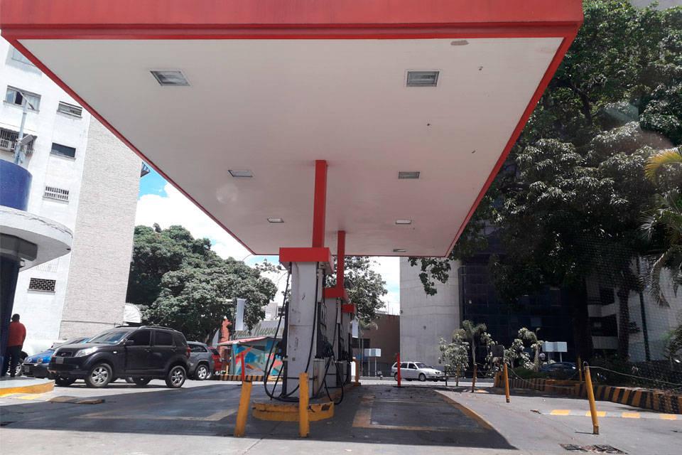 """El Aissami: """"En semanas las colas de gasolina desaparecerán"""" - junio 22, 2021 12:15 am - NOTIGUARO - Economia"""