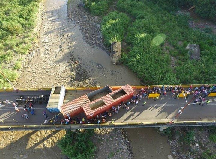 En Táchira: Transportistas de carga piden levantar contenedores en puentes fronterizos - junio 3, 2021 12:46 pm - NOTIGUARO - Economia