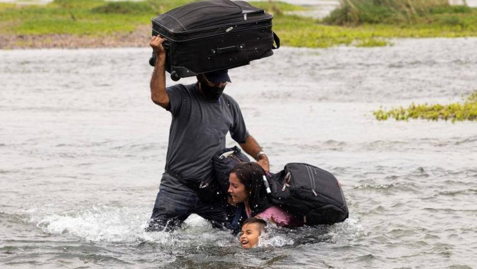 """Según Arreaza: """"Es un montaje mediático la supuesta migración venezolana que cruza por el Río Grande a EE.UU."""" - junio 1, 2021 11:00 am - NOTIGUARO - Nacionales"""