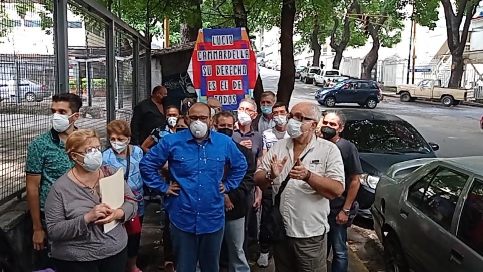 En Caracas: Residentes de Los Chaguaramos exigen desalojo de comercios invadidos - julio 28, 2021 9:30 am - NOTIGUARO - Nacionales