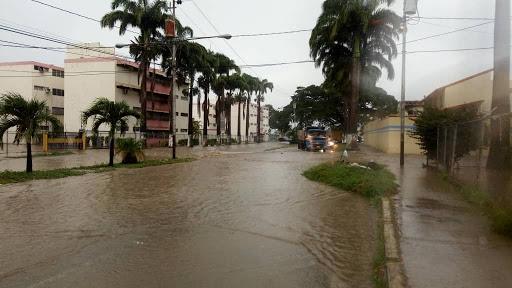 ¡Bajo el agua!: Fuertes precipitaciones inundan las calles de Cabudare y Barquisimeto - julio 11, 2021 9:00 am - NOTIGUARO - Barquisimeto