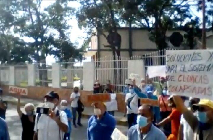 En Barquisimeto: Ciudadanos protestan frente a sede de Hidrolara por fallas en el servicio de agua - julio 7, 2021 9:00 am - NOTIGUARO - Barquisimeto