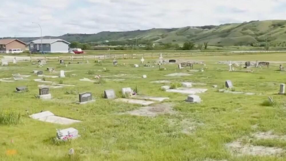 """""""No hay orgullo en el genocidio"""": Canadienses derriban estatuas de la reina Victoria y de la reina Isabel II (+VÍDEO) - julio 3, 2021 5:09 pm - NOTIGUARO - Internacionales"""