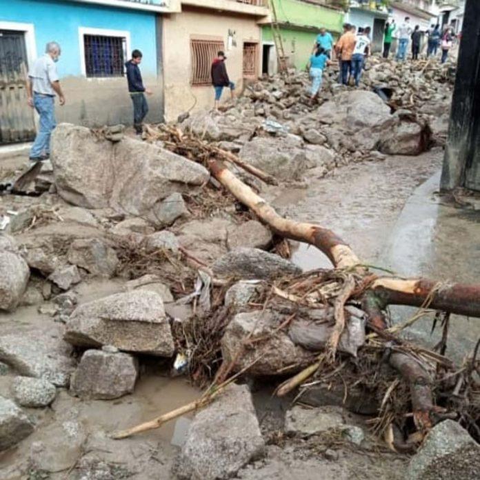 En Mérida: 11 muertos, varios desaparecidos y cuantiosos daños dejan fuertes lluvias - agosto 24, 2021 3:30 pm - NOTIGUARO - Nacionales