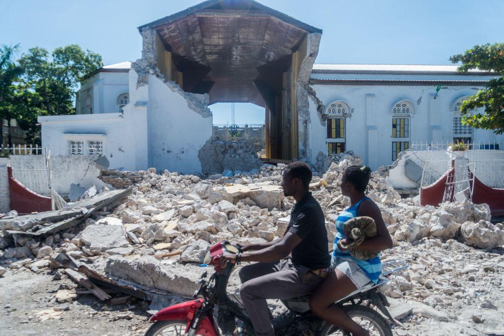 Tragedia en Haití: Suman 1.297 muertos, miles de desaparecidos y hospitales desbordados con unos 5.700 heridos - agosto 15, 2021 10:01 pm - NOTIGUARO - Internacionales