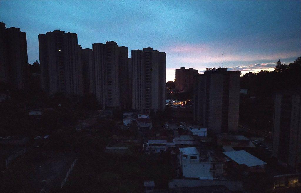 Fuertes precipitaciones dejan sin luz algunas zonas de Caracas y Miranda - agosto 22, 2021 8:26 pm - NOTIGUARO - Nacionales