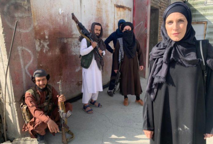 En Afganistán: Corresponsal de CNN, obligada a cambiar de vestimenta - agosto 17, 2021 1:48 am - NOTIGUARO - Internacionales