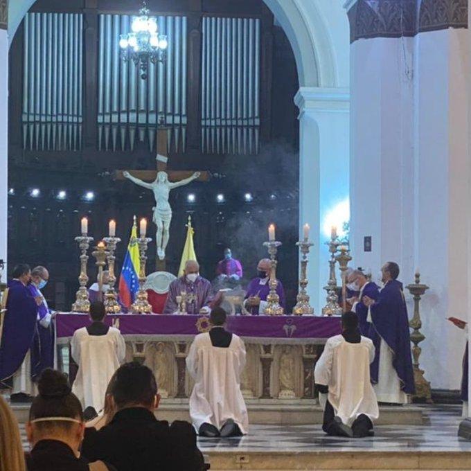 Inhumados los restos del Cardenal Urosa en el Panteón Arzobispal de la Catedral de Caracas - septiembre 24, 2021 7:40 pm - NOTIGUARO - Nacionales