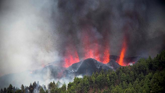 En España: Volcán de La Palma entró en erupción tras una serie de seísmos - septiembre 19, 2021 2:42 pm - NOTIGUARO - Internacionales