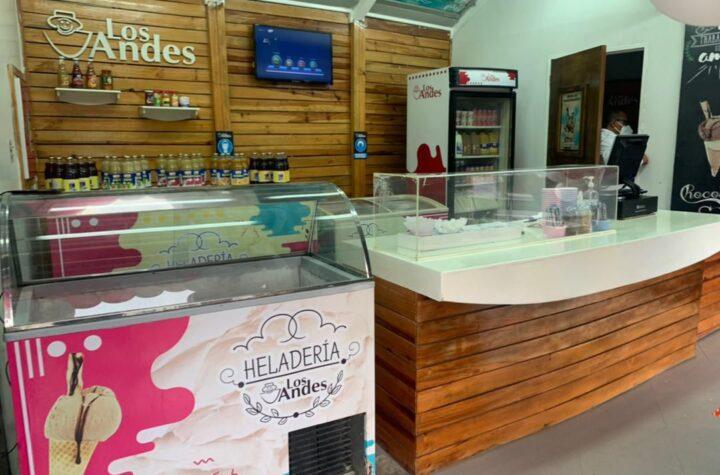 """En Barquisimeto: Lácteos Los Andes abrió nuevamente su Heladería en la """"Flor de Venezuela"""" - septiembre 23, 2021 4:02 am - NOTIGUARO - Entretenimiento"""