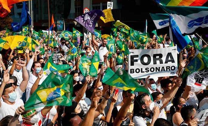 Brasil: Exigen destitución de Bolsonaro, tras amenazas a las instituciones - septiembre 13, 2021 2:26 am - NOTIGUARO - Protestas
