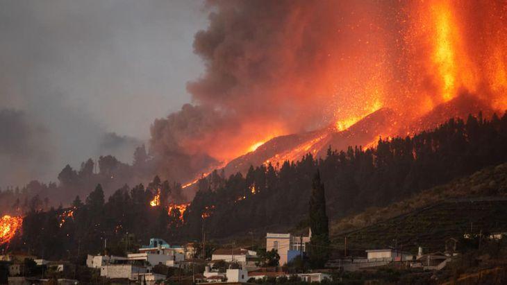 España: Miles de personas han sido evacuadas por erupción volcánica en Islas Canarias - septiembre 20, 2021 4:28 pm - NOTIGUARO - Internacionales