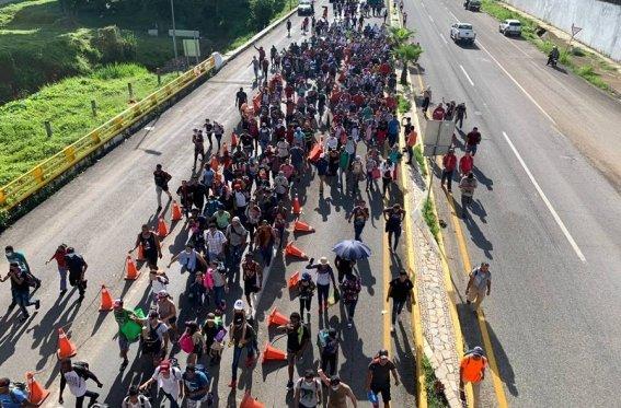 """Sale de Chiapas nueva caravana de migrantes, piden a Dios los """"proteja de policías mexicanos"""" - septiembre 5, 2021 3:49 am - NOTIGUARO - Internacionales"""