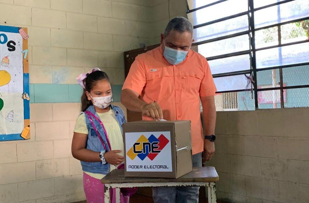 """Adolfo Pereira: Simulacro electoral ha sido """"rápido y sencillo"""" en Lara - octubre 10, 2021 5:27 pm - NOTIGUARO - Locales"""