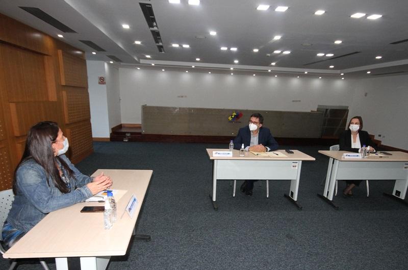 Rumbo al 21N: CNE y UE abordaron despliegue de la misión durante las elecciones - octubre 20, 2021 2:41 pm - NOTIGUARO - Nacionales