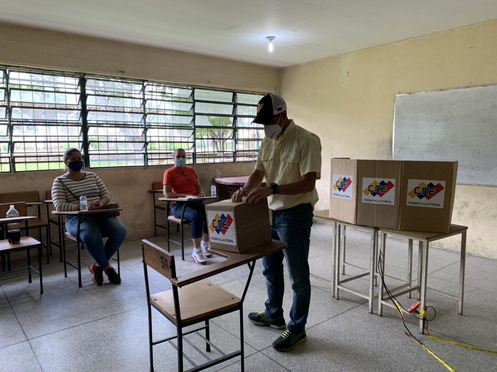 """Capriles: """"Hay un país organizándose que va a hablar el #21N"""" - octubre 11, 2021 12:24 am - NOTIGUARO - Locales"""