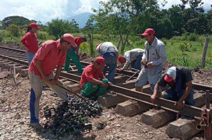 En Yaracuy: IFE culminó reinstalación de la vía férrea en el sector El Peñón - octubre 27, 2021 8:59 pm - NOTIGUARO - Locales