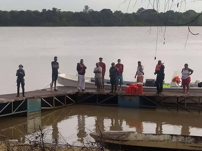 Delta Amacuro: Naufragio dejó 4 personas fallecidas y 20 desaparecidos - octubre 3, 2021 8:01 pm - NOTIGUARO - Nacionales