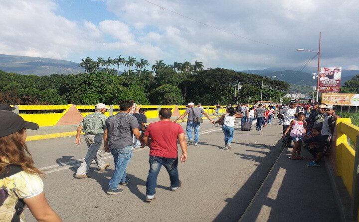 """Colombia: Migración amplia horario de entrada y salida en frontera con Venezuela durante jornada """"Día sin IVA"""" - octubre 28, 2021 9:23 am - NOTIGUARO - Internacionales"""