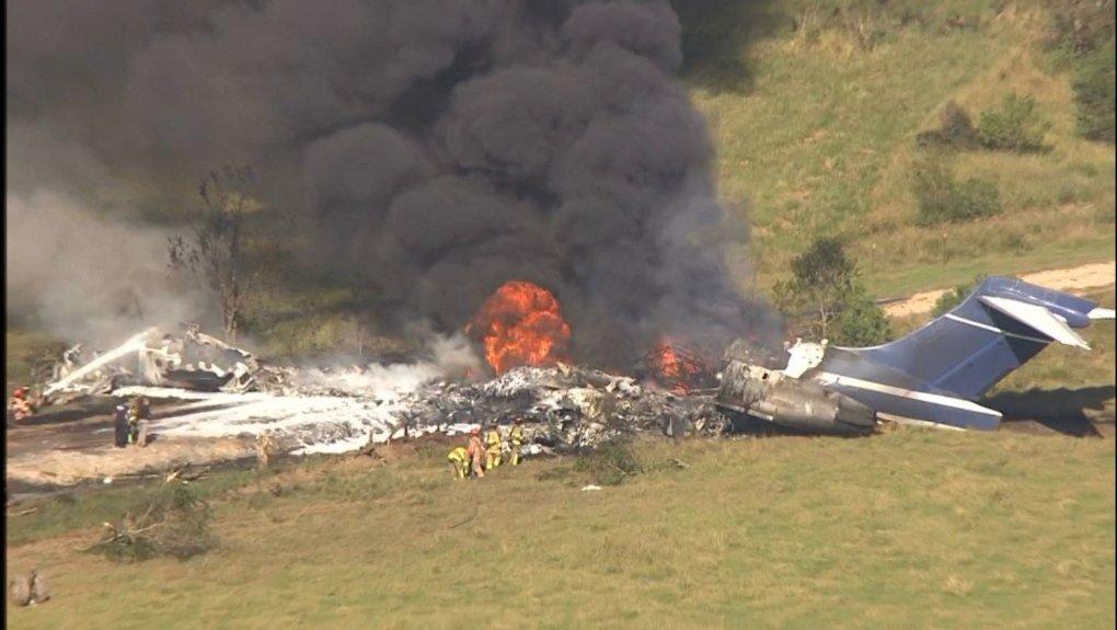 En Texas: Se estrella y se incendia un avión con 21 pasajeros a bordo y todos sobreviven (+videos) - octubre 19, 2021 9:17 pm - NOTIGUARO - Internacionales