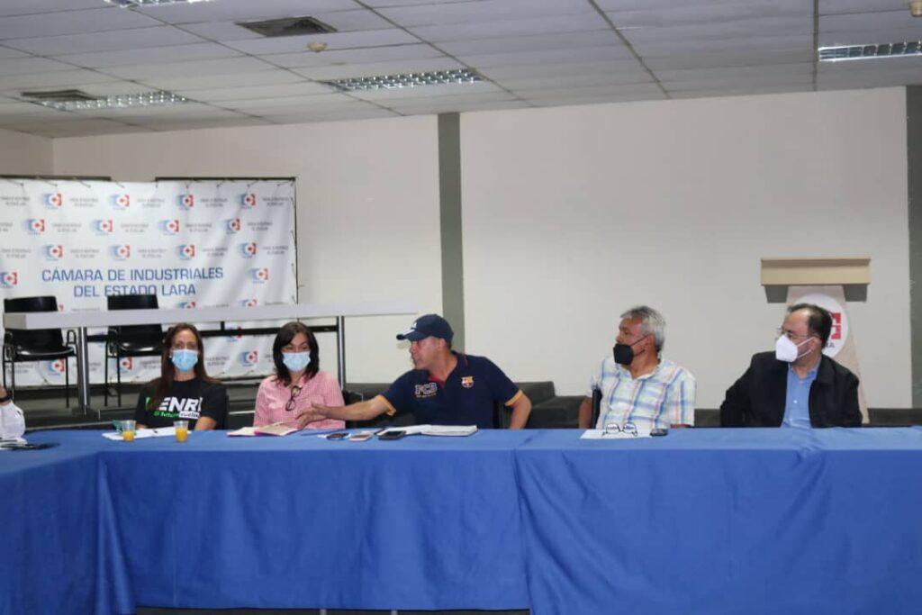 Candidato Henri Falcón sostuvo reunión con industriales de Lara - octubre 5, 2021 9:34 pm - NOTIGUARO - Locales