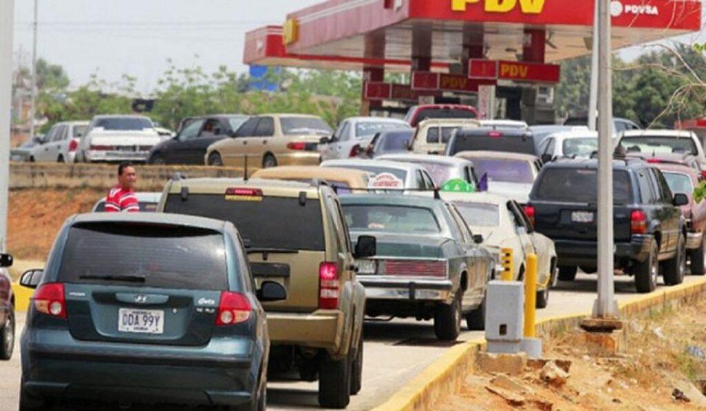 """Alertan que aumentará el déficit de suministro de gasolina porque """"la producción está estancada"""" - octubre 15, 2021 9:51 pm - NOTIGUARO - Nacionales"""